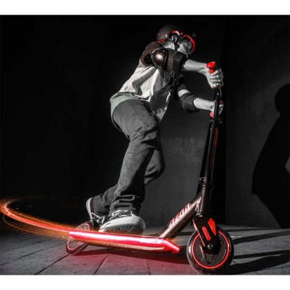 (YV100819) Yvolution, Neon Viper Scooter- Red